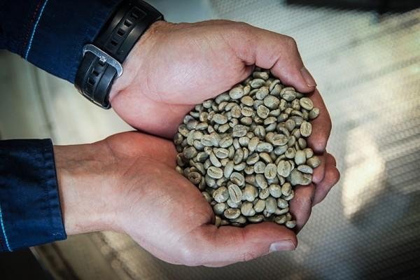 Сейчас компания обрабатывает 350-400 заказов в неделю, каждую пятницу обжаривая по 700-800 кг кофе Фото: Екатерина Кузьмина