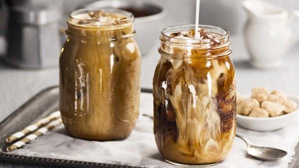 Содержит ли кофейный Cold Brew больше кофеина, чем горячий кофе