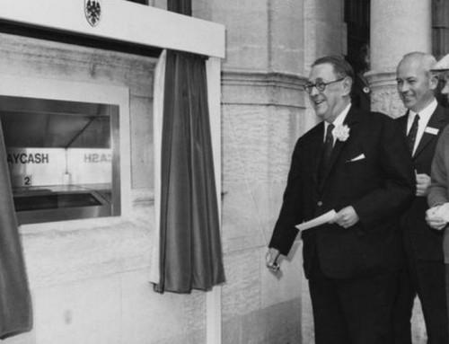 Золотой юбилей банкомата: наличные не сдаются
