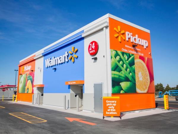 Вендинг по крупному Walmart против Amazon