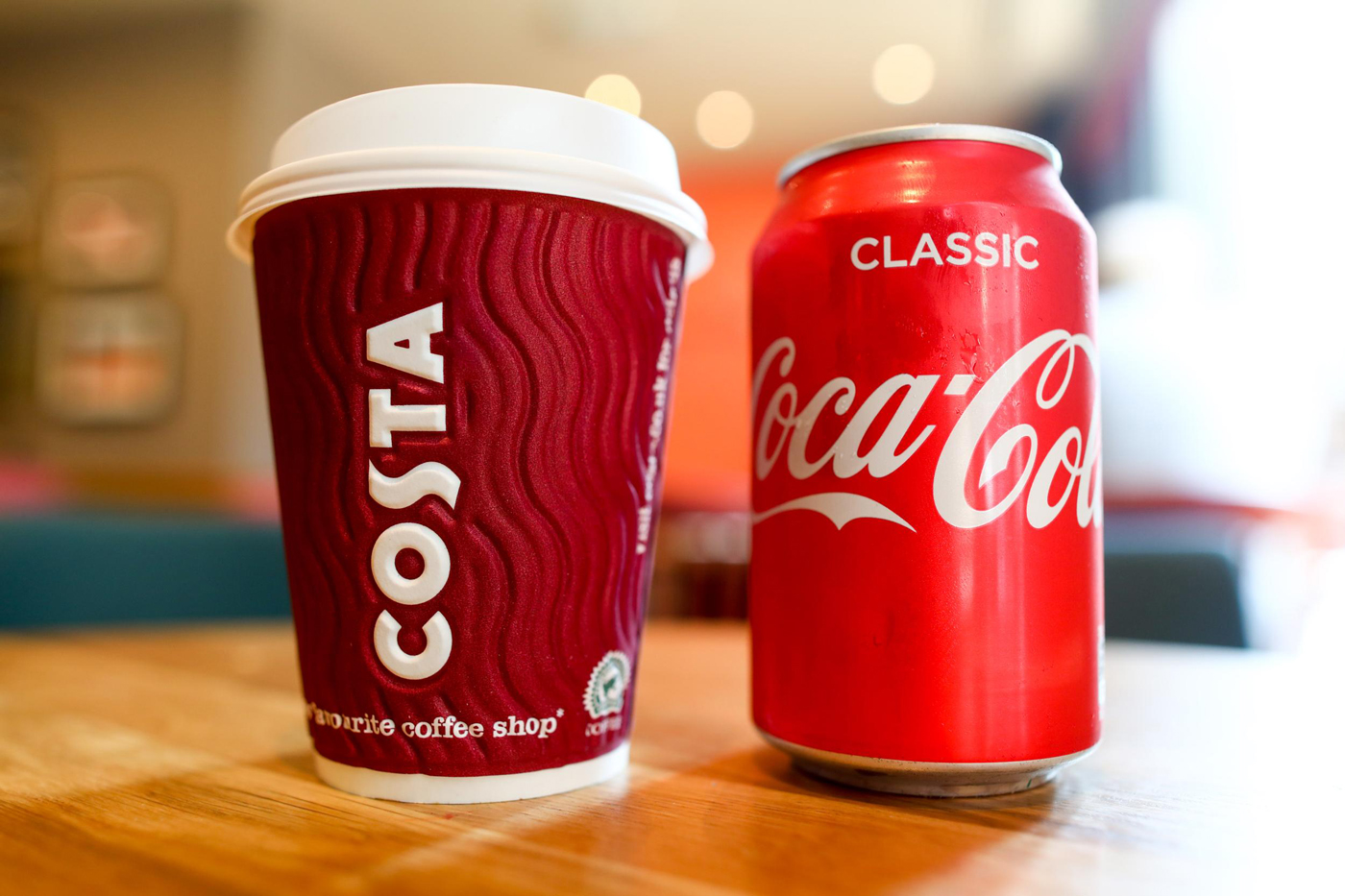 Компания Coca-Cola завершила сделку по приобретению Costa у Whitbread
