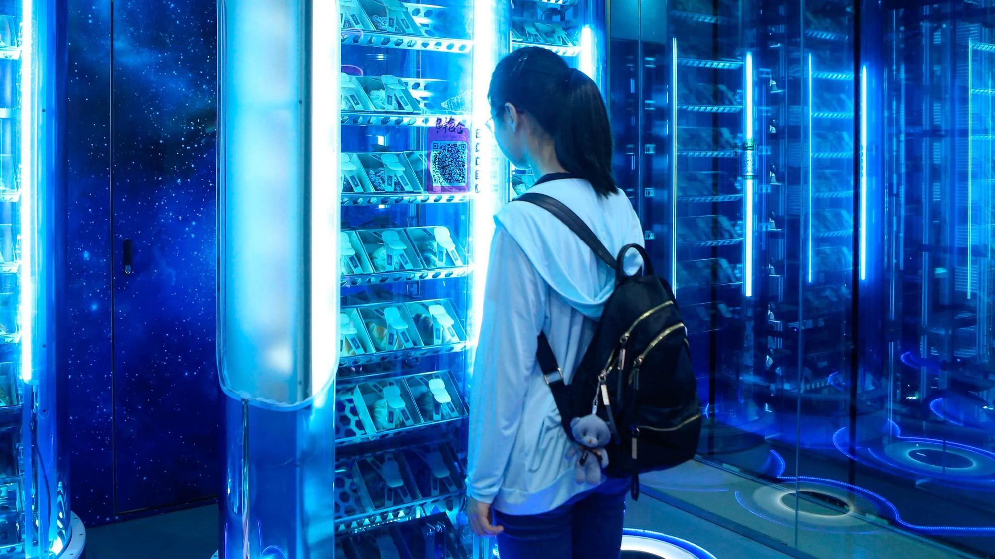 В Китае повсеместно закрываются вендинговые мини-маркеты