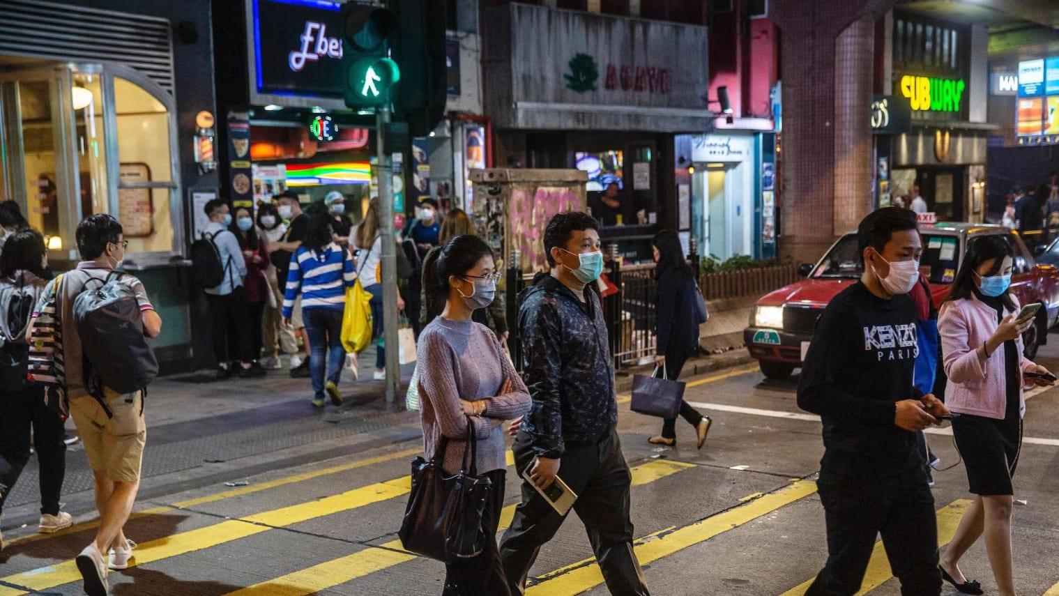 В Гонконге появятся торговые автоматы с бесплатными медицинскими масками