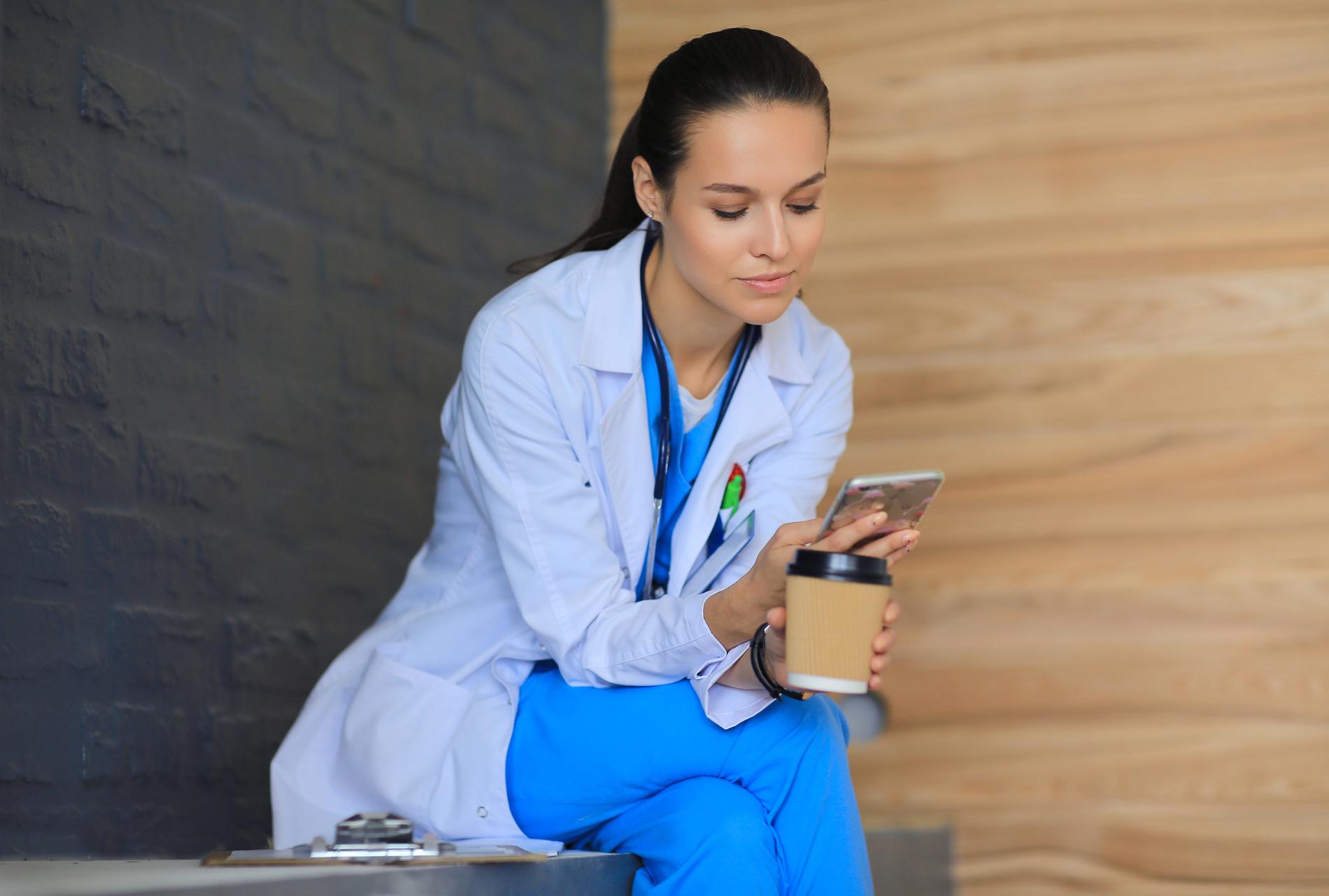 Вендинг против Covid-19 помощь медицинским работникам