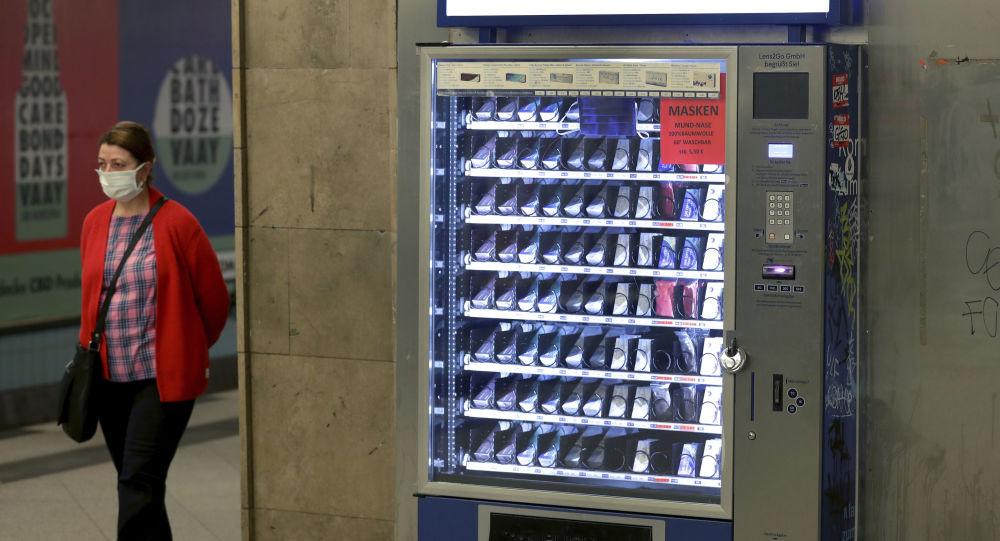 В Баку могут появиться торговые автоматы с медицинскими масками