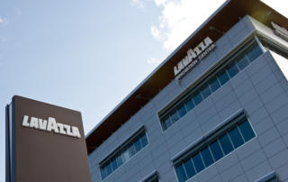 Lavazza раздаёт рекордные бонусы своим сотрудникам