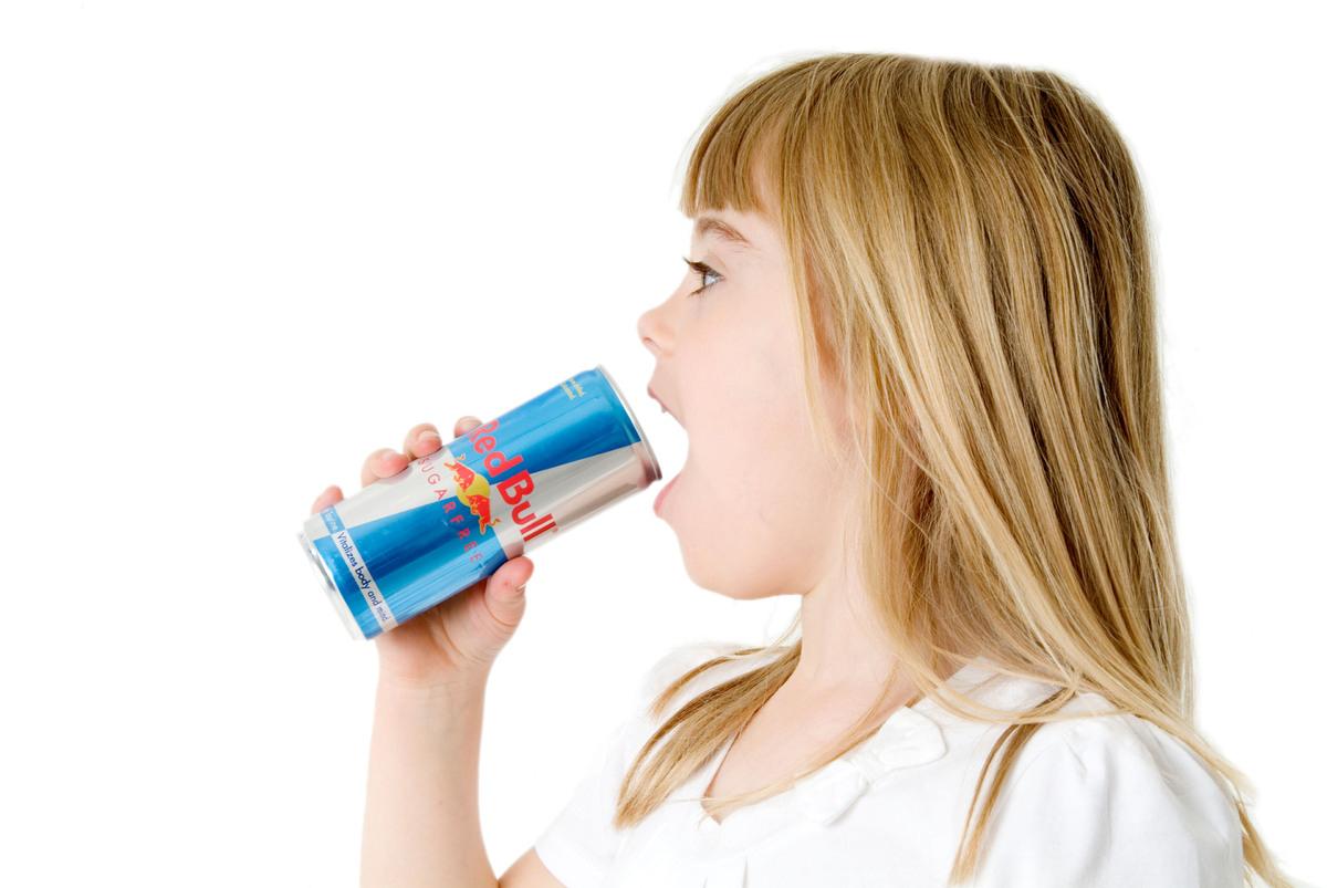 Крым запрещает энергетические напитки для несовершеннолетних детей